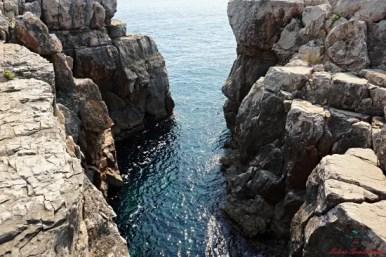 scogliere dell'isola di lokrum.
