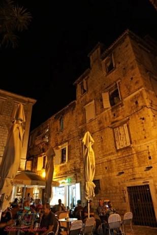 piazza del centro storico di trogir.