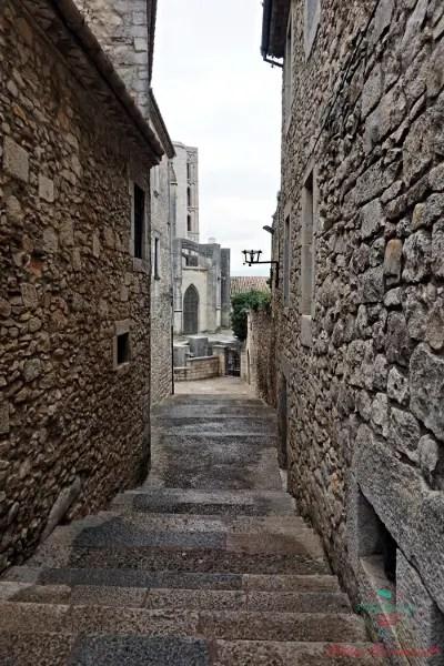 Scorcio in un vicolo di Girona.