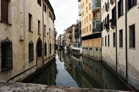 Girovagare per Padova regala scorci davvero caratteristici.