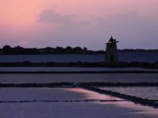 se vuoi visitare trapani e dintorni non perderti le Saline di trapani e paceco al tramonto.