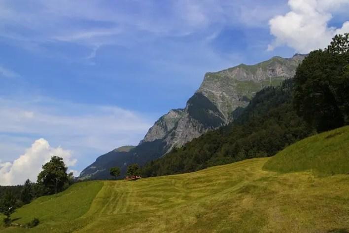 La baita di Heidi sulle Alpi svizzere.