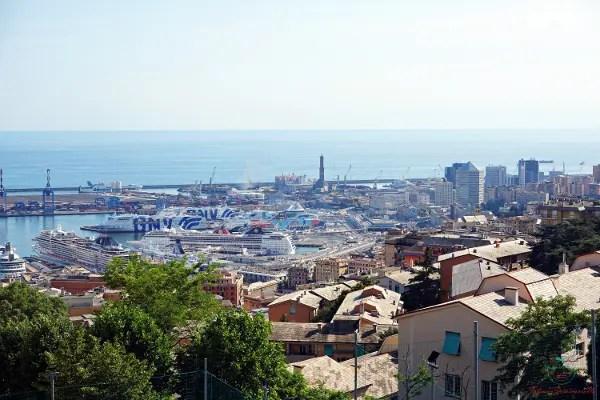 Panorama di Genova dal Belvedere da Passano in Oregina, uno dei migliori punti panoramici di genova.
