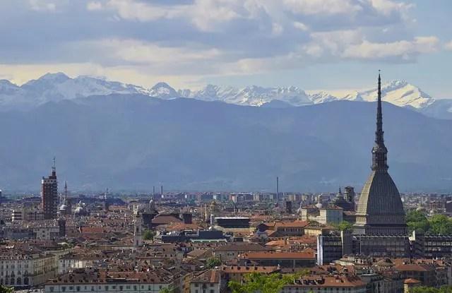 """Panorama di Torino utilizzato come immagine di copertina per il blog post """"Cosa fare a Torino""""."""
