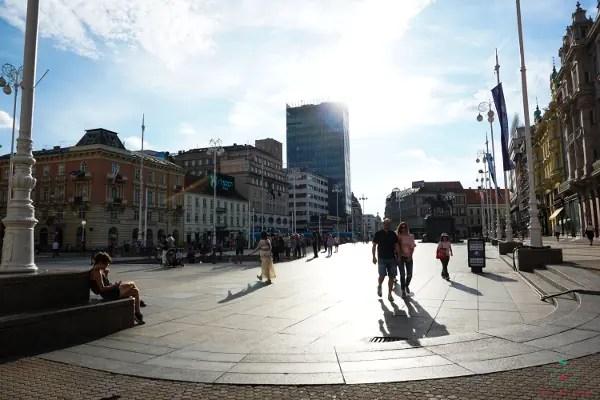 Cosa vedere a Zagabria: Piazza Jelačić.