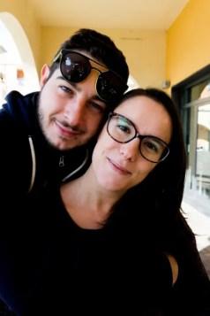 Chi siamo: Selene e Stefano del travel blog Viaggi che mangi si raccontano.