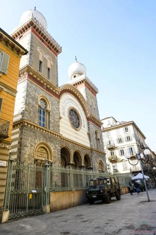 La Sinagoga ebraica nel quartiere di San Salvario a Torino.