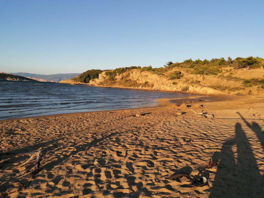 Sahara, spiaggia di sabbia sull'isola di Rab o Arbe, in Croazia