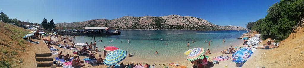 Pudarica, una spiaggia nell'isola di Rab o Arbe, una tra le isole della Croazia