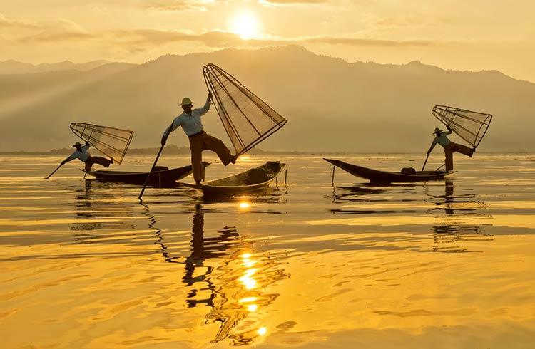fishermen-inle-lake-istock