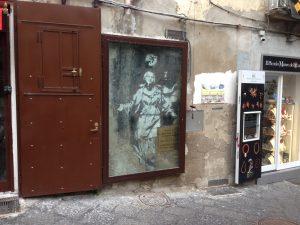 Madonna con Pistola. Banksy a Napoli vero o falso?