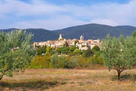 Lourmarin-General-View-Luberon-©-French-Moments