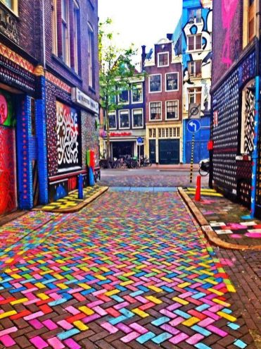 colorful-amsterdam