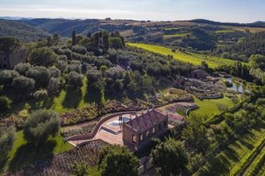 Parco-Villa-Trecci-Hotel-Contacts