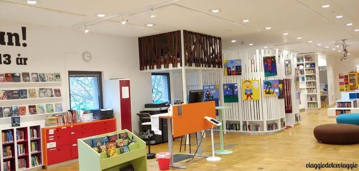 Area bambini nella biblioteca di malmo