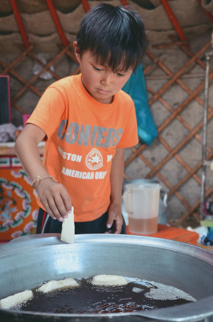 Friggendo qualche pietanza mongola