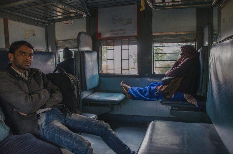 treni indiani Unreserved Class UR