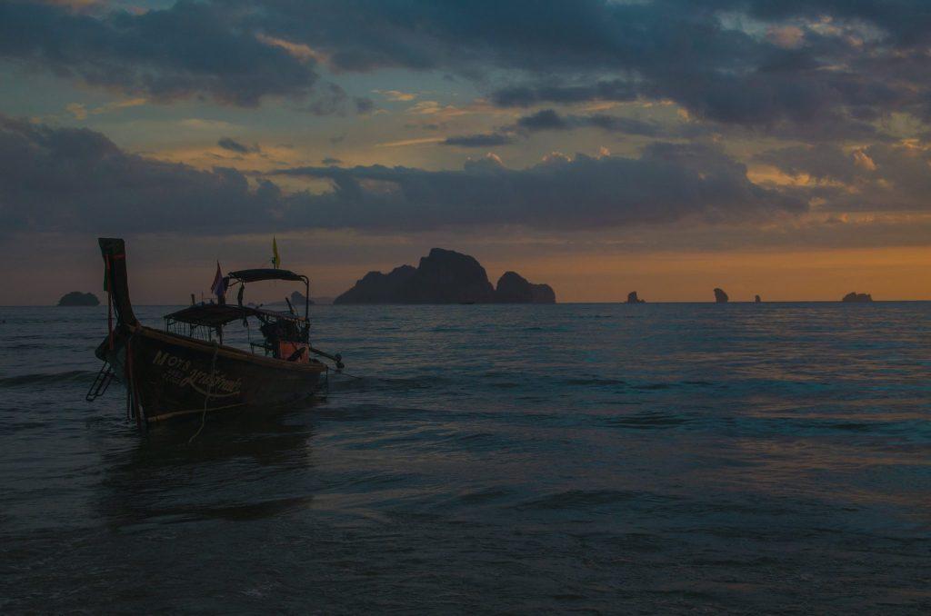 tramonto zona di krabi