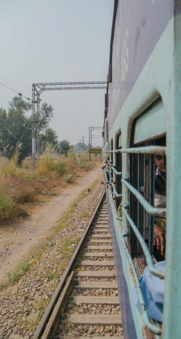 treno ansia per il futuro