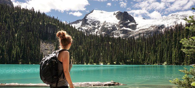 vanlife minimalista - lago canadese