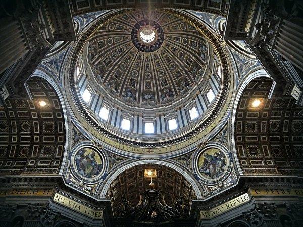 Cupola nella basilica di San Pietro e Paolo - Vaticano