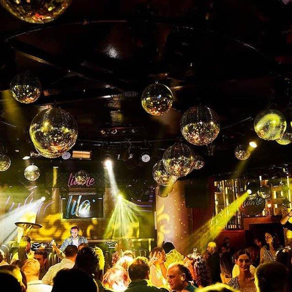 Tra le dieci cose migliori da fare di notte ad Ibiza... puoi divertirti anche a cena