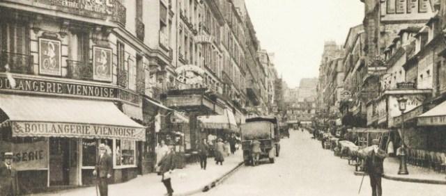 Vacanze a Parigi-Montmartre_nel_1925