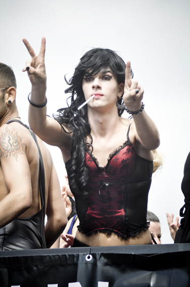 Gay parade_ On trailer3web