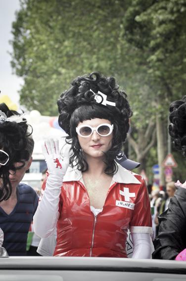 Gay parade_ Red Kreuz Girlweb