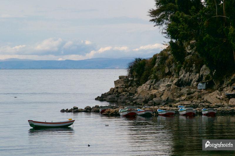 Botes en el Lago Titicaca.