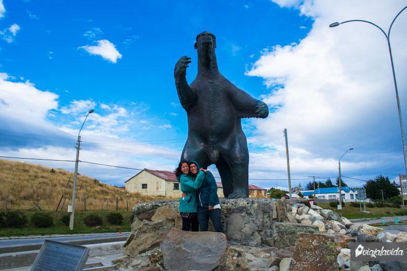 Milodón en Puerto Natales.