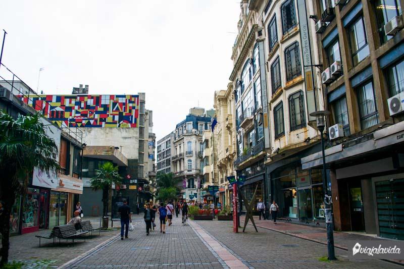 Calles de la Ciudad Vieja en Montevideo.