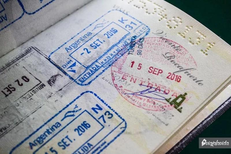 Sellos en el pasaporte.