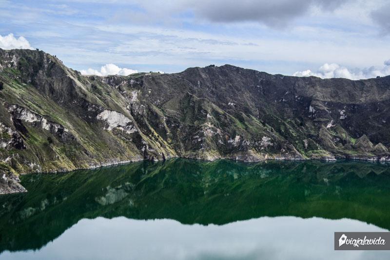 Reflejo en la laguna del Quilotoa.