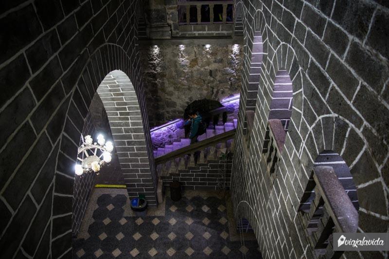 Entrando al museo de Las Lajas.