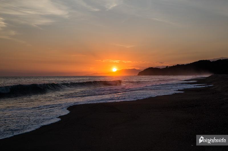 Amanecer en playa Castilletes.