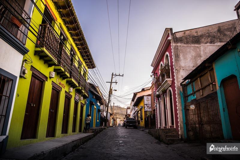 Casas coloridas en Santa Rosa de Copán.