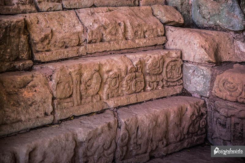 Figuras y restos Mayas en Honduras.