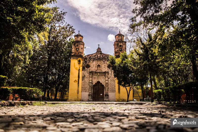 Plaza de la Conchita, Coyoacán.