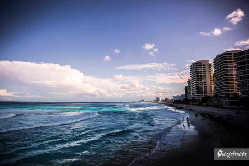 Extensión de la Playa Forum en Cancún.