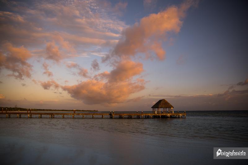 Muelle sobre la playa en Punta Coco, Holbox.