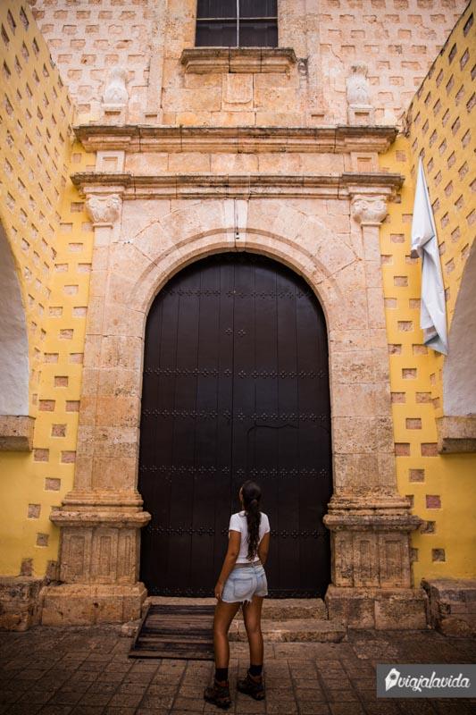Entrada al Convento San Bernardino de Siena.