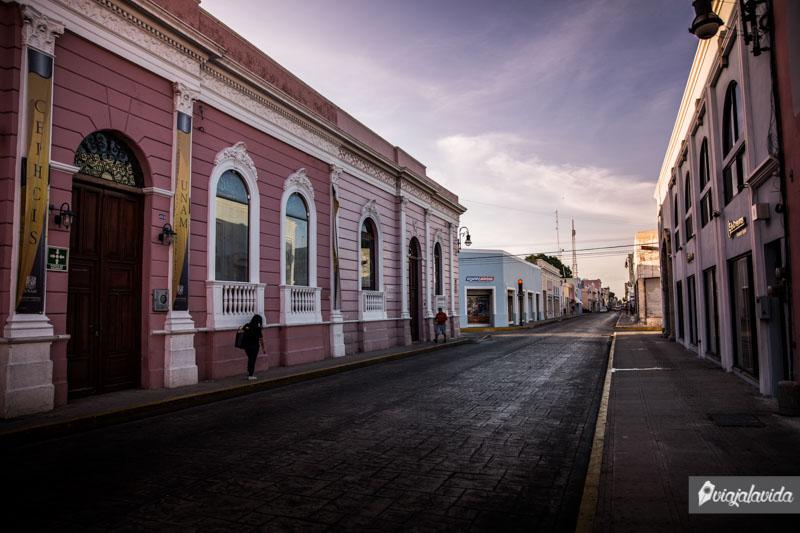 Casas coloridas en el centro de Mérida.
