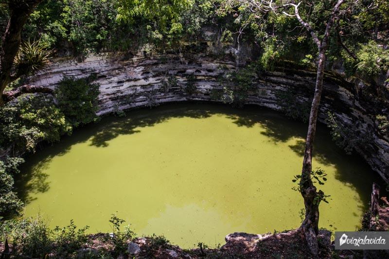 Cenote Sagrado en Chichén Itzá.