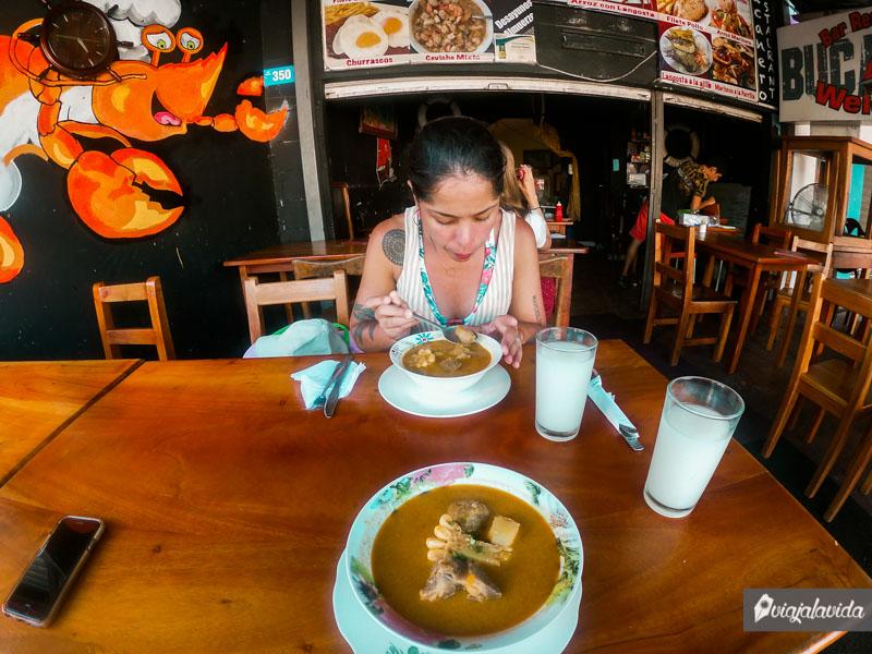 Comida barata en la isla Santa Cruz