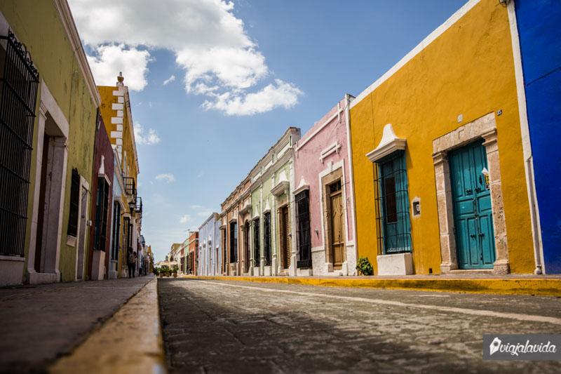 Casas coloridas en la Calle 59, Campeche.