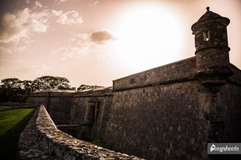 Atardeciendo en el Fuerte De San Miguel.