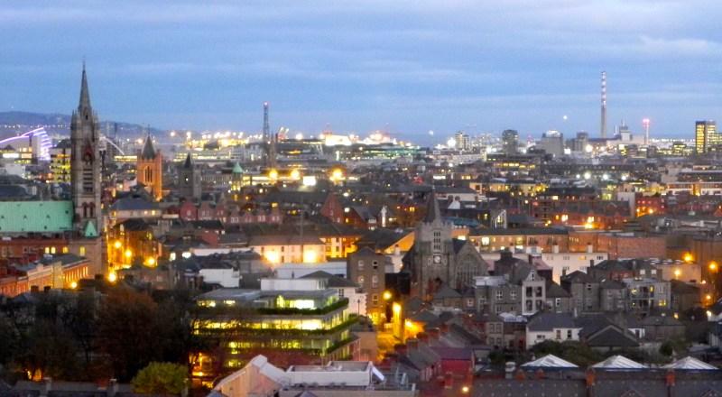 Vista panorâmica de Dublin. Coisa linda que só pode ser vista do Gravity Bar!
