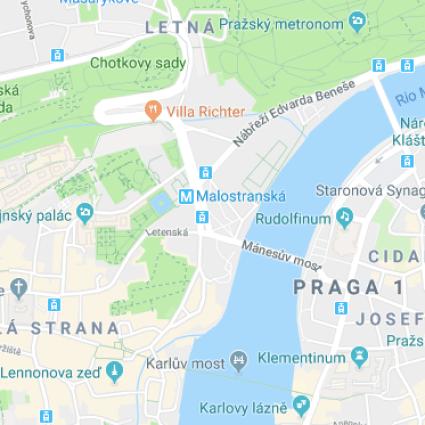 Praga: conheça a belíssima (e lotada) Ponte Carlos