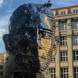 Praga: veja as irreverentes (e polêmicas) obras de Černý